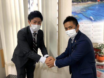 担当者の松崎さん(左)、弊社代表(右)